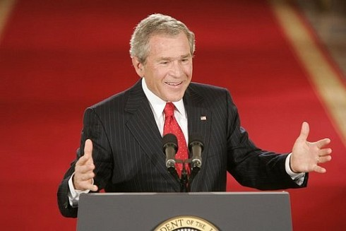 PHOTO: Bush speaking
