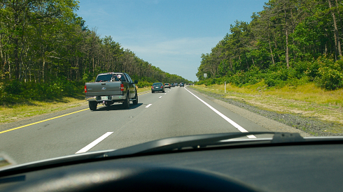 PHOTO: Idiots driving in the left lane when the right lane is clear